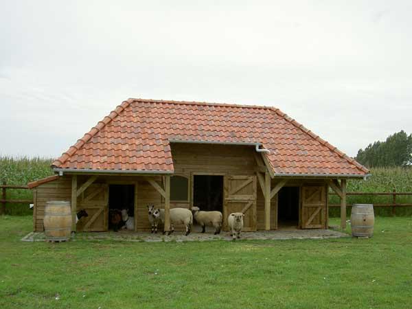 Houten schapenstallen